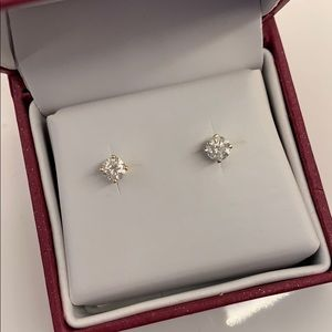 🌺Gorgeous Authentic 3/4 CTW Diamond Stud Earrings